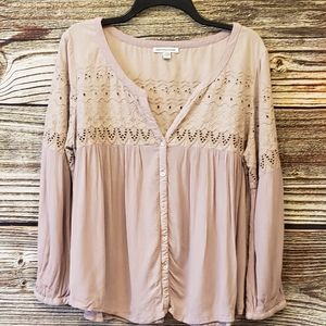 American Eagle v-neck button down blouse Pre-owned